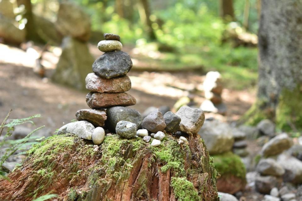 stones-4464033_1280
